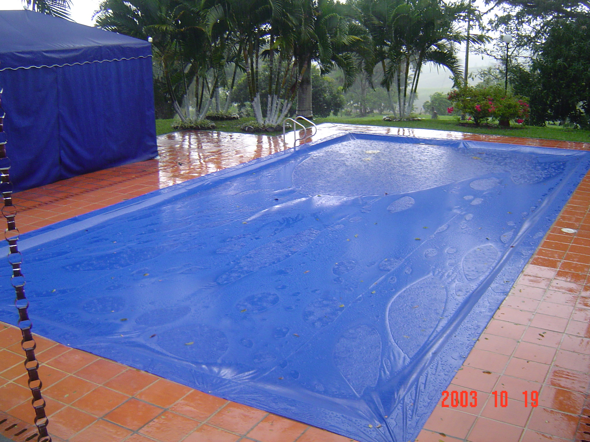 Arquitenso toldos piscina y jacuzzi for Piscinas plasticas colombia